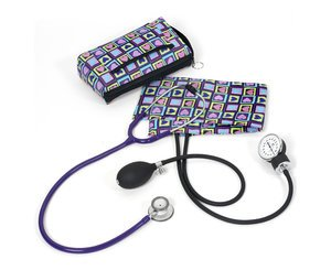 Aneroid Sphygmomanometer / Clinical Lite Stethoscope Kit, Adult, Four Square Hearts, Print