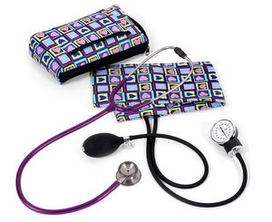 Aneroid Sphygmomanometer / Clinical I Stethoscope Kit, Adult, Four Square Hearts, Print