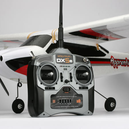 Spektrum's DX5e 5-channel 2.4GHz transmitter and the AR500 DSM2 5-channel receiver will provide glitch-free, interference-free performance wherever you fly. And the best part? You won't have to worry about frequency conflicts anywhere, anytime. The DX5e is a great solution for all model aircraft requiring up to five channels.